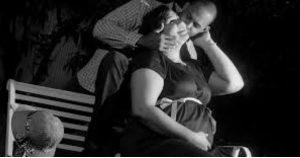 casal grávido srrindo