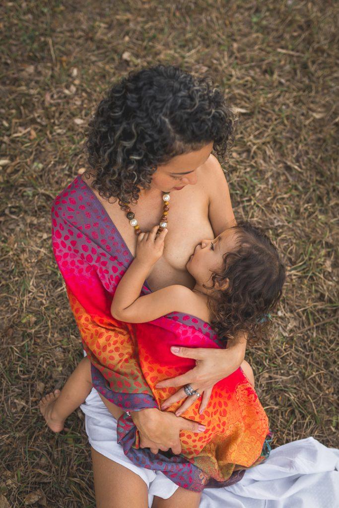 Amamentação prolongada-bebe-2 anos