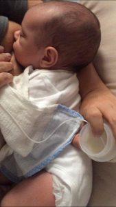Relactação-bebê-amamentação-sonda-seio