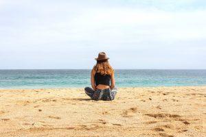 mulher na praia