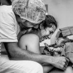 Liberação hormonal do parto: no corpo da mulher que pari e do companheiro que acompanha